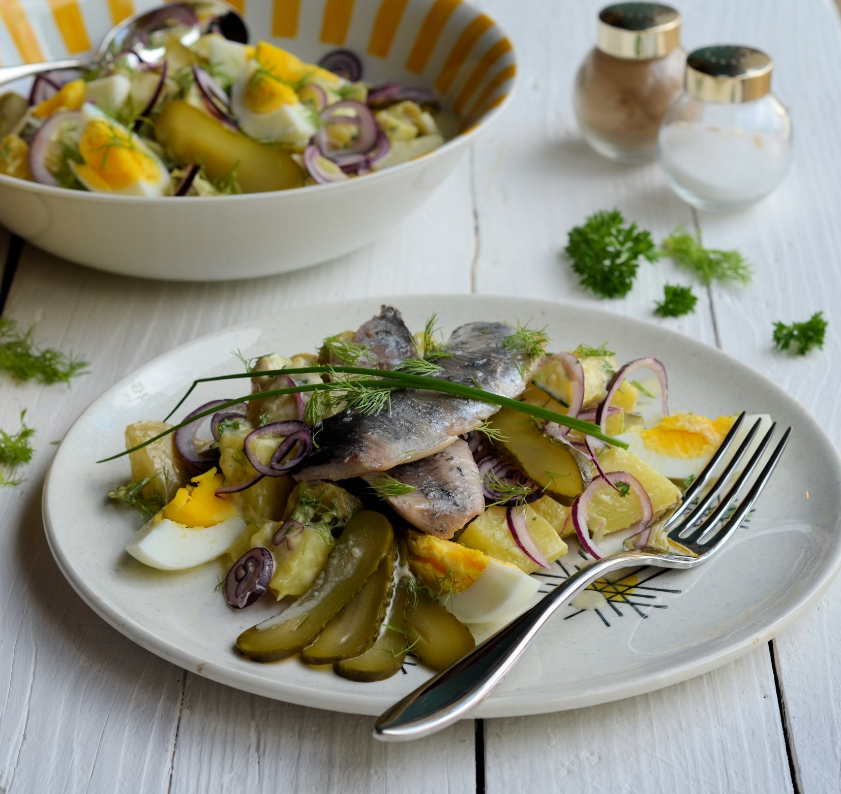 How beautiful to cook a classic herring under a fur coat. 5 recipes of herring under the fur coat for the holiday table 80