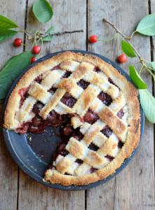 Old-Fashioned Cherry Pie