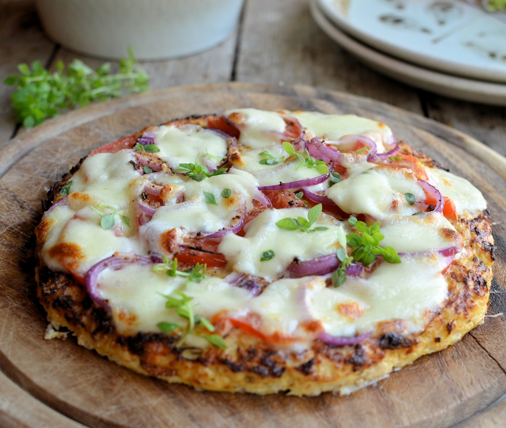 Low-Calorie Cauliflower Crust Pizza (Gluten Free