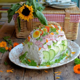 Enjoy National Picnic Week with Pies, Pasties, Cakes & Sandwiches! My TOP Picnic Recipes