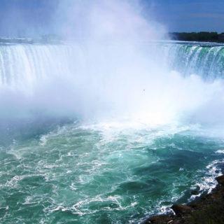 Waterfalls, Wine and Vineyards of Niagara