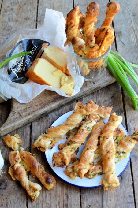 Vintage Smoked Cheese and Onion Straws
