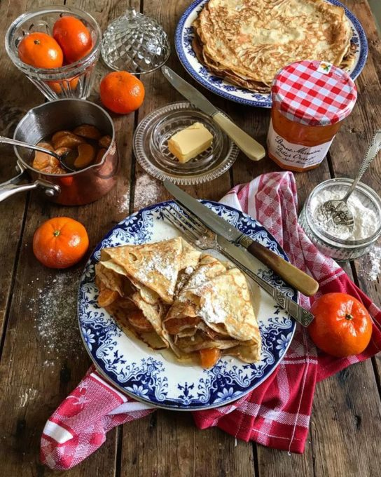 On Lavender & Lovage today is my new recipe for Sweet Clementine & Bitter Orange Crêpes. These would be wonderful for a weekend breakfast and make the most of the citrus season. Golden, lacy pancakes filled with a clementine, bitter marmalade and Grand Marnier sauce.....we enjoyed these for a romantic Valentine's Day breakfast yesterday.